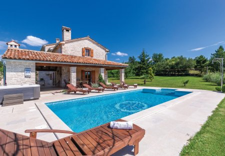 Villa in Krculi, Croatia