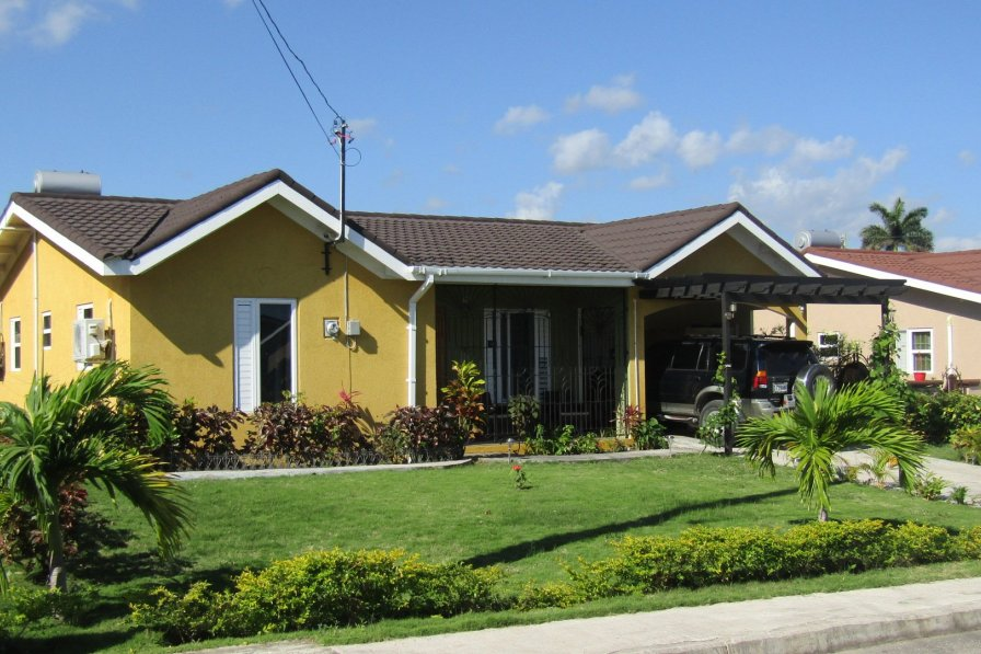 Owners abroad Yaso Nice 3 bedrooms, 2 bathrooms, free WIFI, pool, gym, FUN!