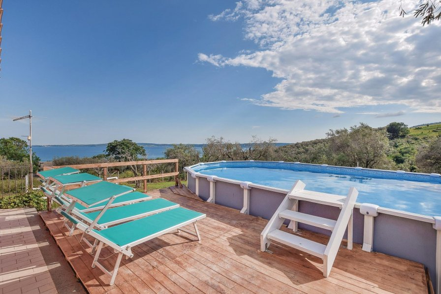 2 Bedroom Villa In Bracciano | Alpha Holiday Lettings