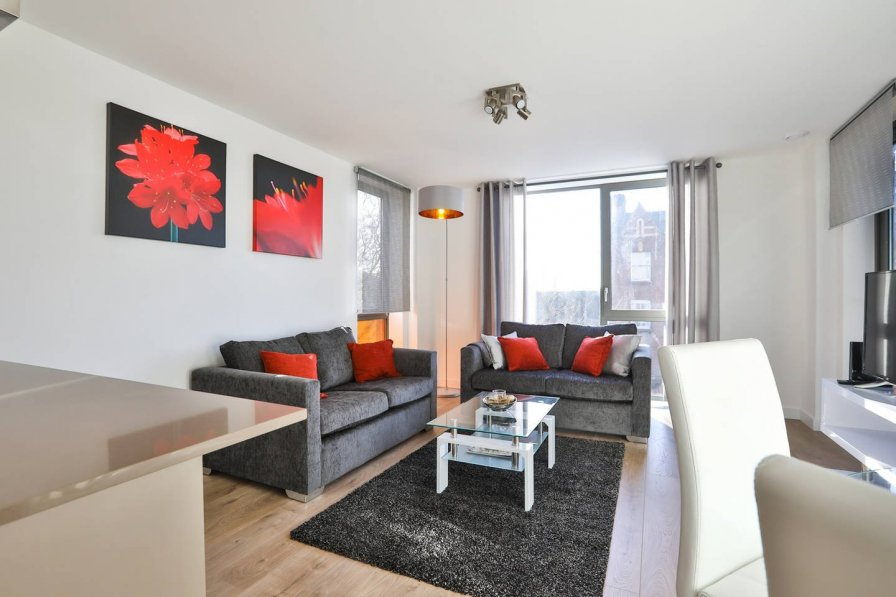 Wapping smart 2 bed flat - 4 min from underground