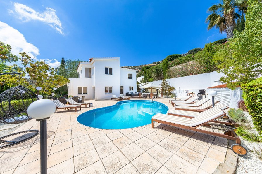 Villa To Rent In Pegia Cyprus With Swimming Pool 226852