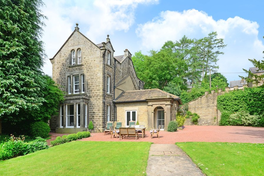 Bamford Hall, Luxury Group Accommodation in The Peak District