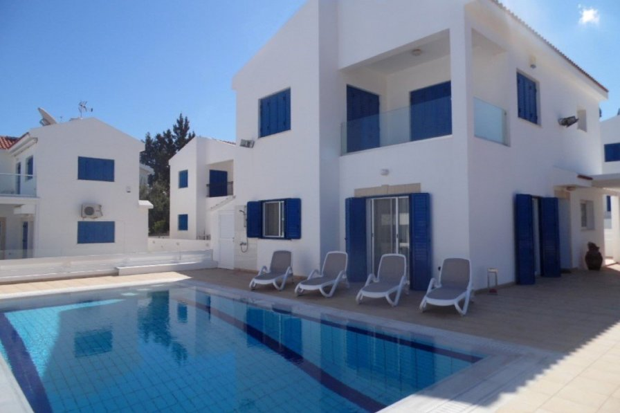 Villa rental in Paralimni, Cyprus, with swimming pool
