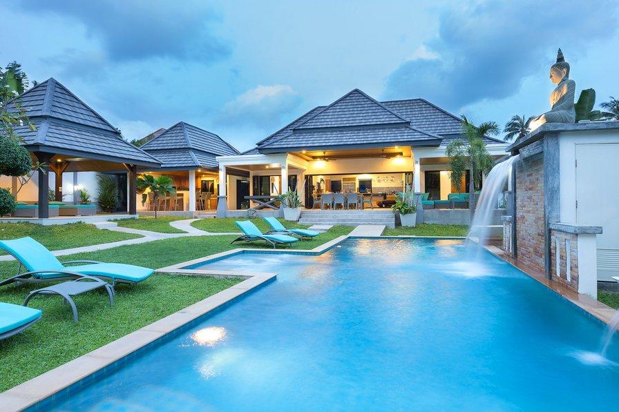 beautiful residence 5 bedrooms pool jacuzzi