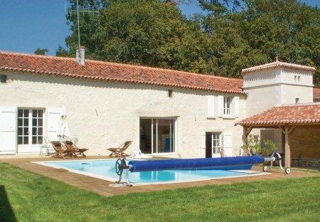 Villa in Bourneau, France
