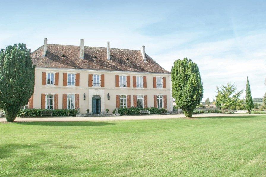Villa in France, Cherval