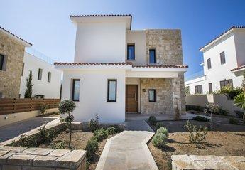3 bedroom Villa for rent in Chlorakas