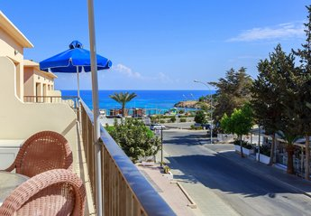 2 bedroom Apartment for rent in Central Protaras