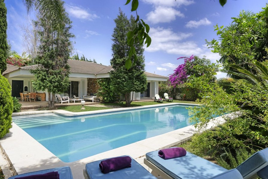 Modern Villas With Pools To Rent In Puglia