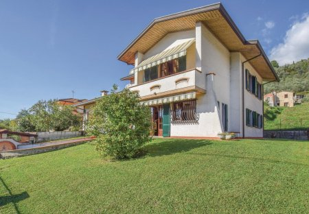 Villa in Nocchi, Italy