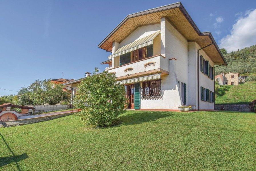 Villa in Italy, Nocchi