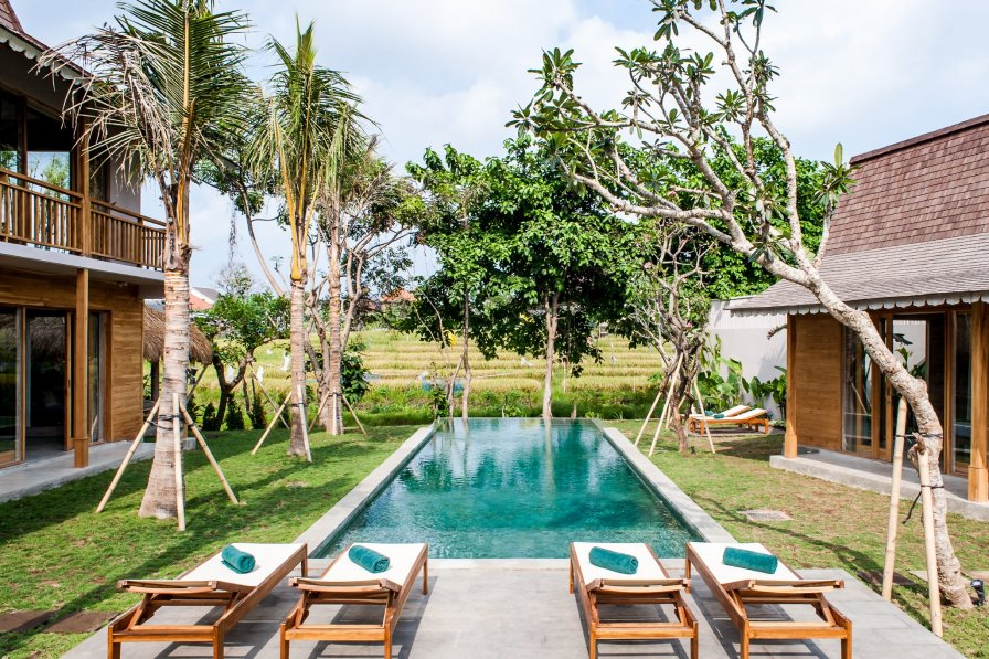 Large 5 bedrooms near Seminyak - Villa Alea