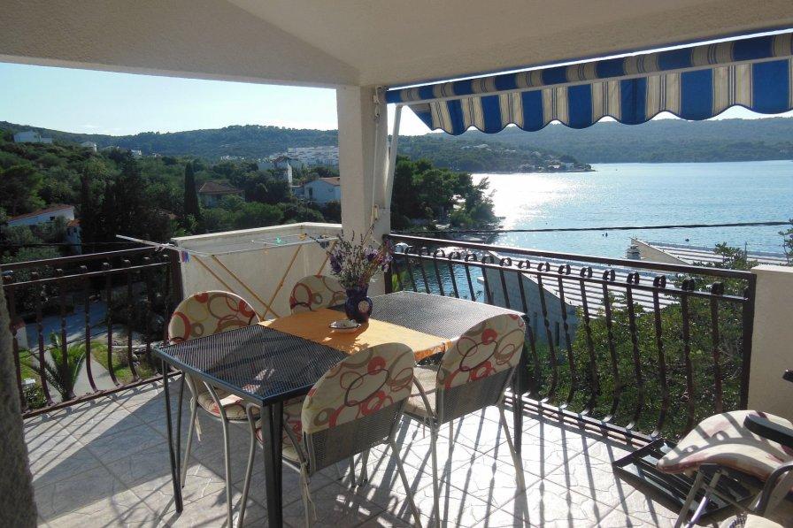 Apartment in Croatia, Nečujam