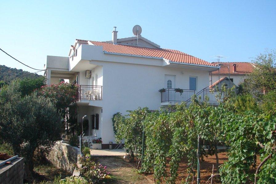 Apartment in Croatia, Vinišće