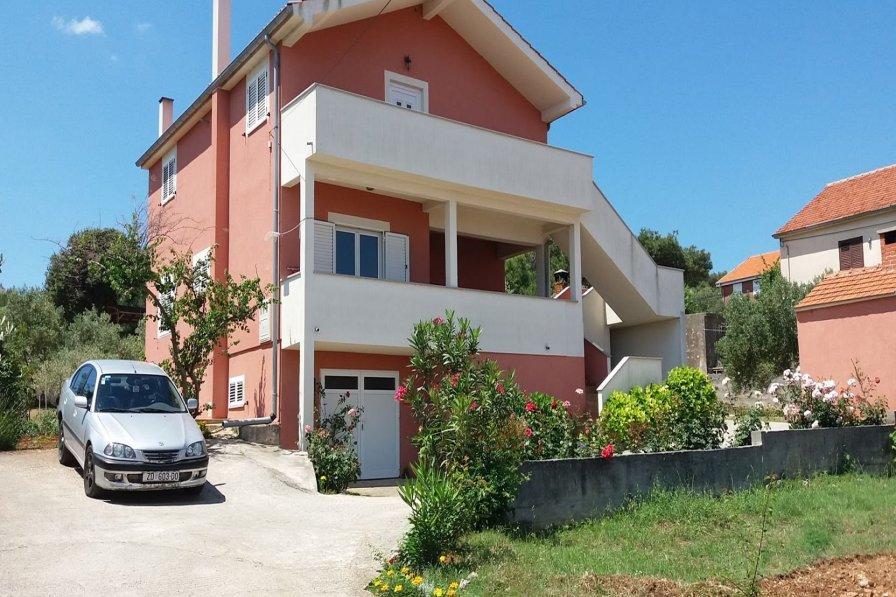 Apartment in Croatia, Dobropoljana