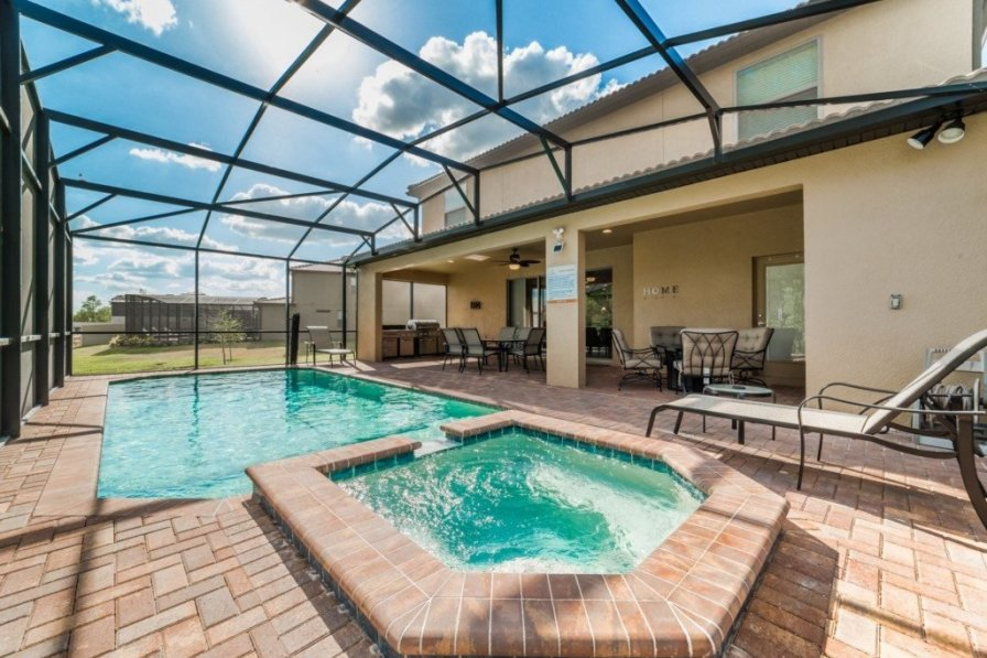 Villa To Rent In Four Corners Florida With Shared Pool 228409
