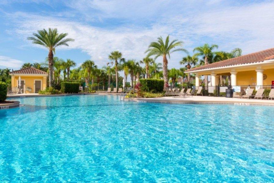 """Picture Renting Mickey's Summer Escape Home in Orlando"" CF09"