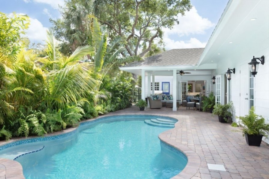 """""""Picture Renting This Beautiful Palm Beach Oasis"""""""