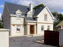 Owners abroad The Ivy, 4 bedroom house in Lismore