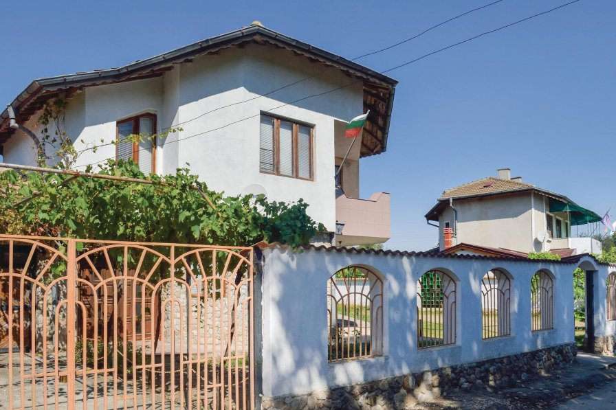 Villa rental in Krapets