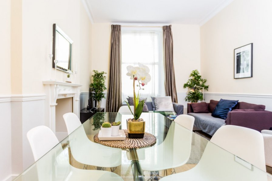 Central 4 bedroom apartment in the heart of Paddington