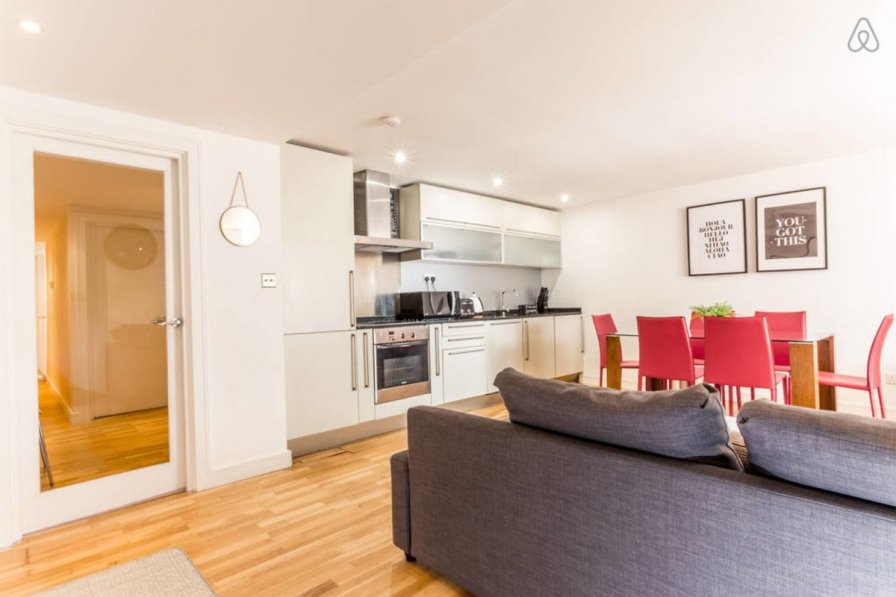 Bright and Beautiful Bayswater 2 Bed Apartment