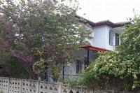 Villa in Turkey, Uzumlu: Villa surrounded by a mature garden
