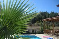 VILLA AYSUN WITH PRIVATE POOL, MATURE GARDEN AND FREE WI-FI