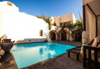 5 bedroom House for rent in Santorini