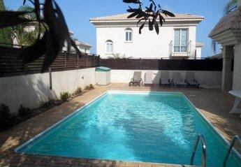 4 bedroom Villa for rent in Kapparis