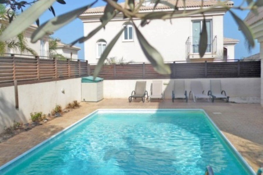 Villa with swimming pool in Paralimni