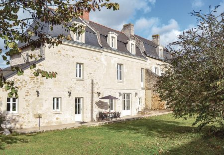 Villa in Chinon, France