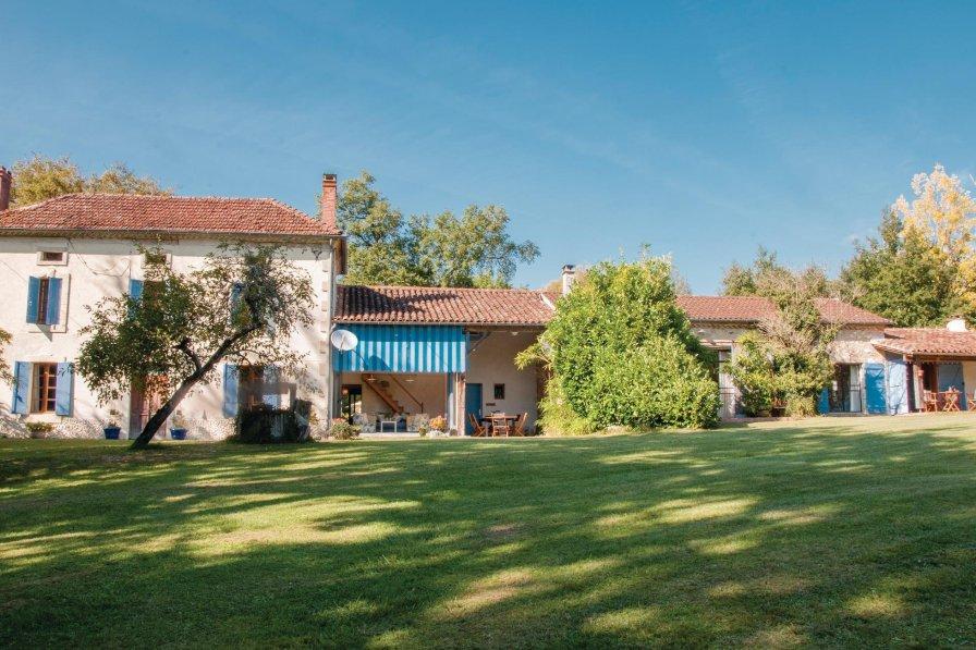 Villa rental in Saint-Pé-Saint-Simon with shared pool