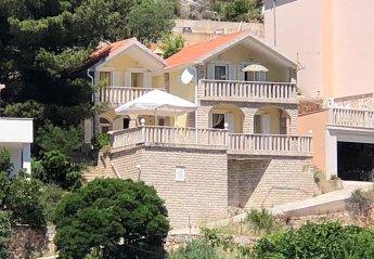 6 bedroom Villa for rent in Jelsa