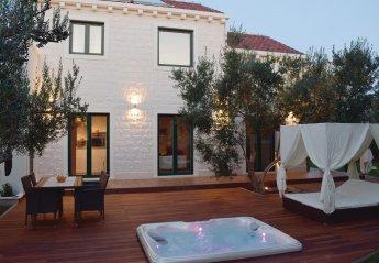 2 bedroom Villa for rent in Lumbarda