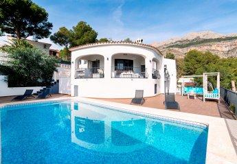 4 bedroom Villa for rent in Altea