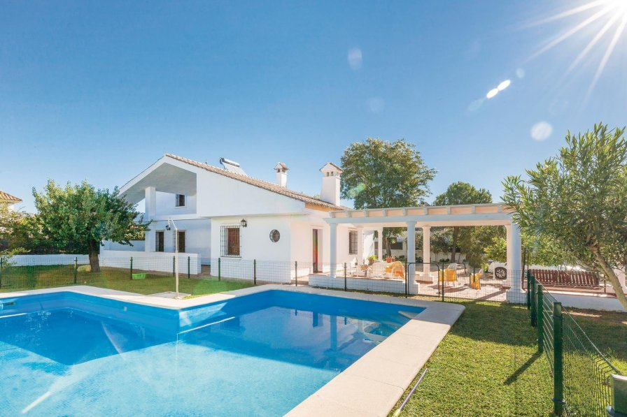 Villa To Rent In El Santiscal Spain With Swimming Pool 233286