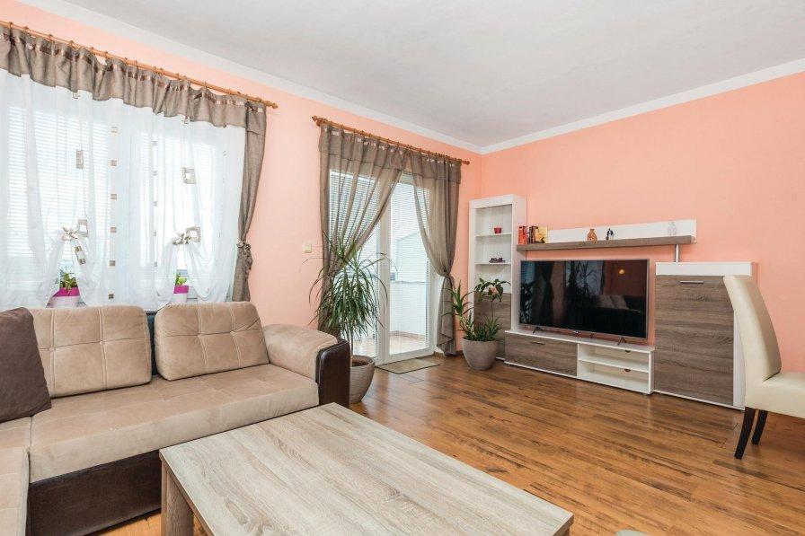 Apartment in Croatia, Jušići
