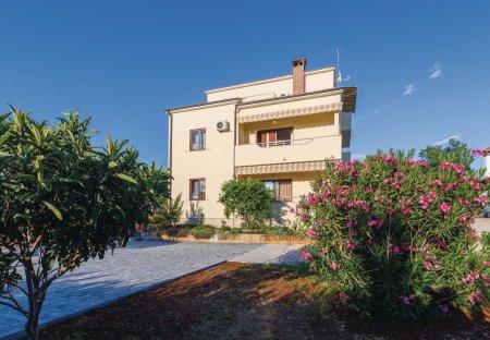 Apartment in Plovanija, Croatia