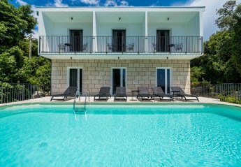 8 bedroom Villa for rent in Molunat
