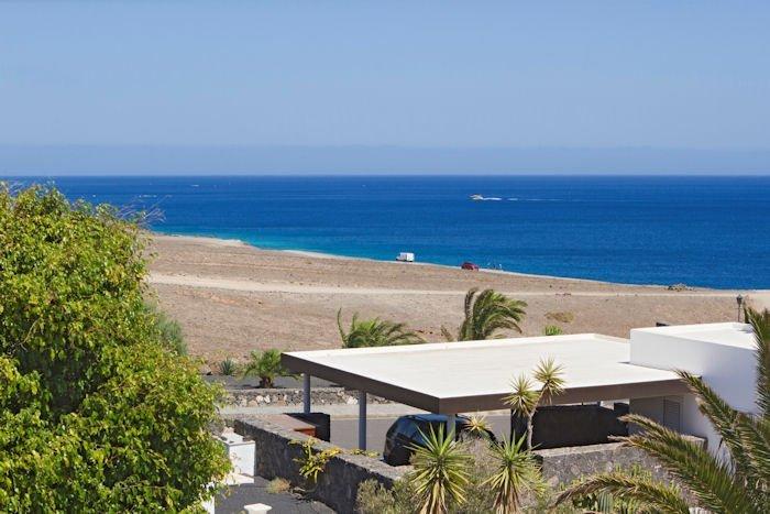 Villa in Spain, Puerto Calero: www.ronn-ballantyne.com