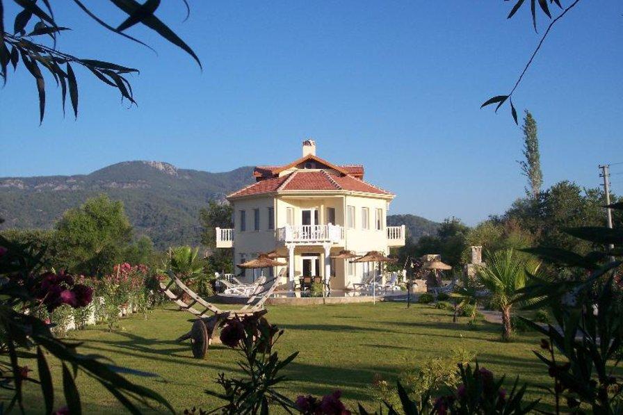 Villa in Turkey, Dalyan: landscaped gardens with private bar