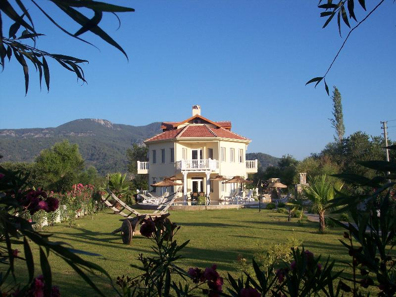 Villa in Turkey, Dalyan: landscaped gardens with private bar