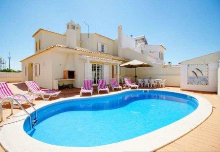 Villa in Torre, Algarve