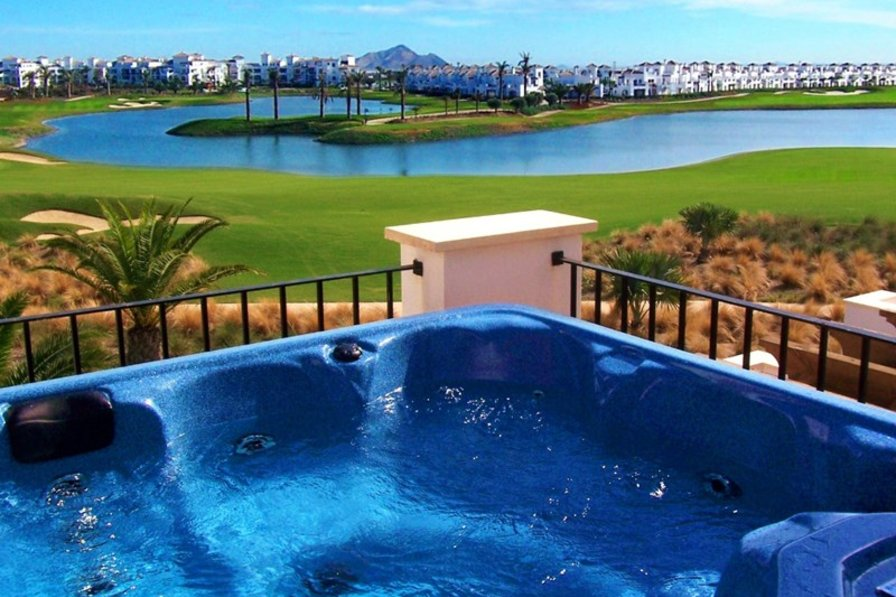 Villa in Spain, La Torre Golf Resort: Lake View with Private Hot Tub