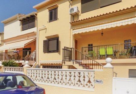 Apartment in Playa Oliva, Spain