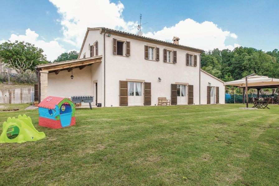 Villa in Italy, Fratte Rosa