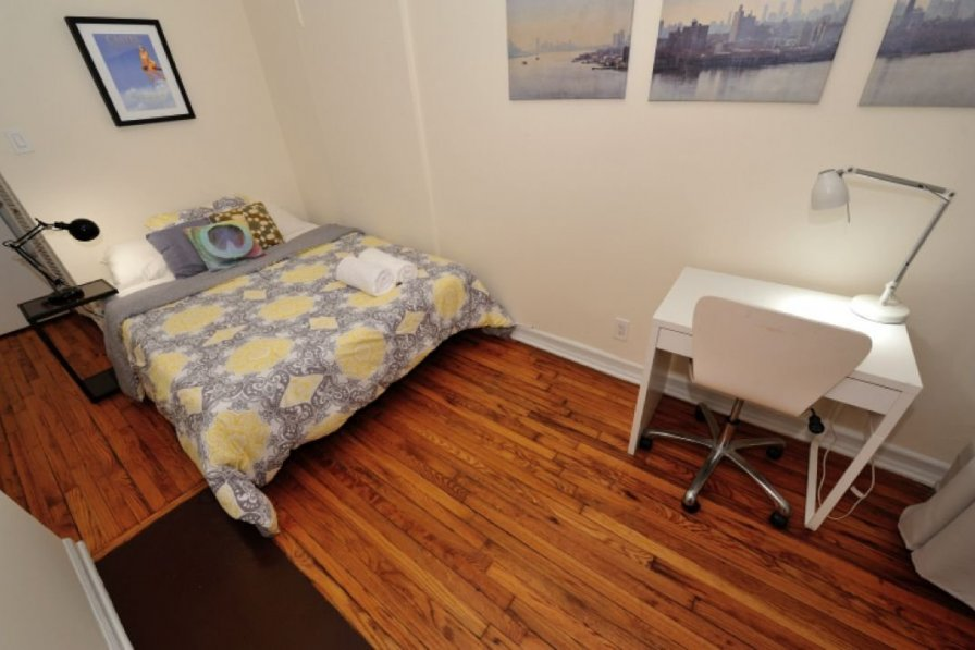 Classic Jane St. One Bedroom ( Greenwich Village )