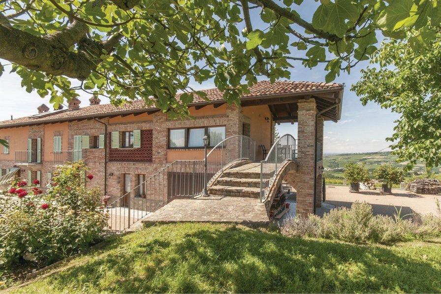Villa in Italy, Castagnole delle Lanze