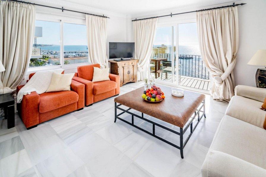 MDM-2 bedroom penthouse front line beach Marbella